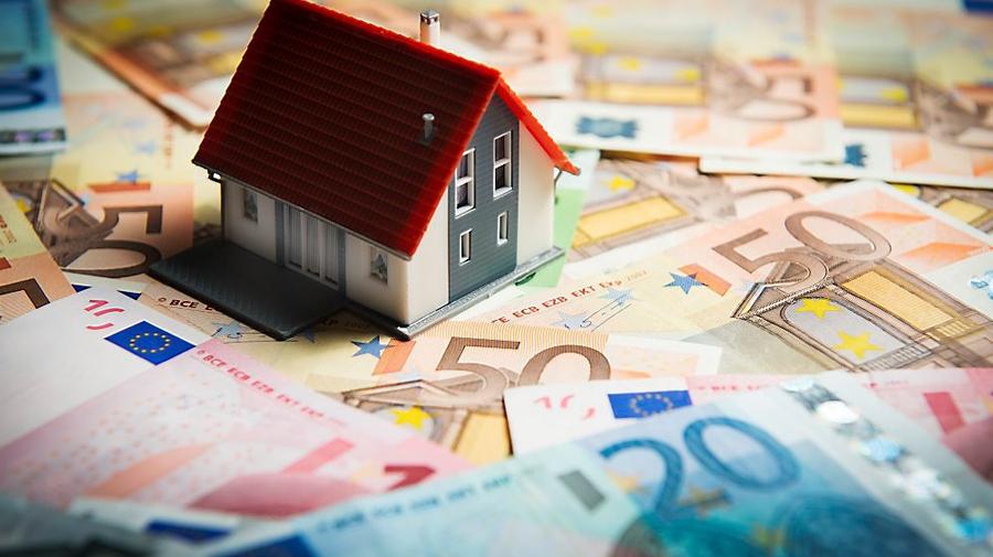 U koopt of verkoopt onroerend goed: aan wie mag de notaris uitbetalen?
